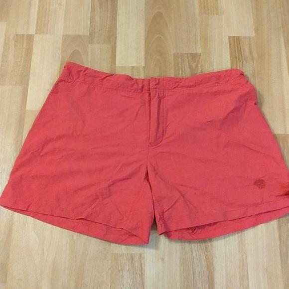 Mountain Hardwear Pants - Mountain Hardwear Red Water Resistant Shorts